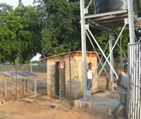 Watertoren met zonnepanelen